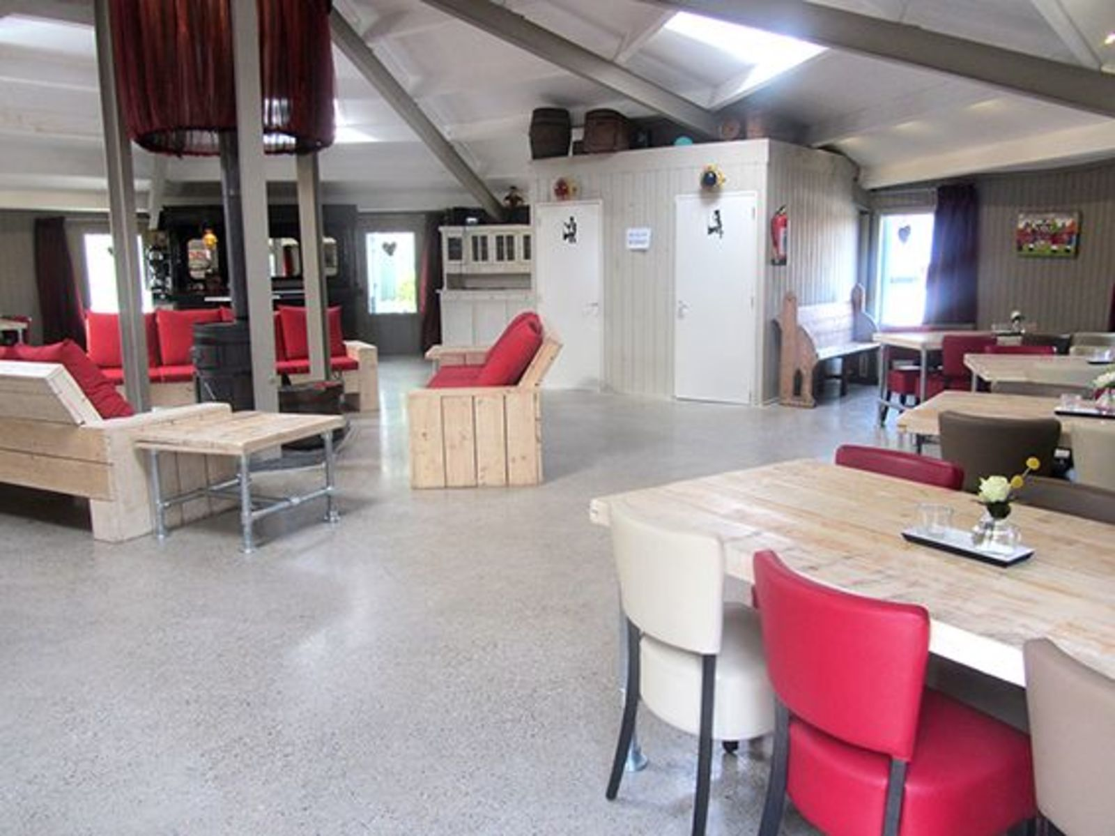 Groepsverblijf Silo + 5 vissershuisjes (30 personen)