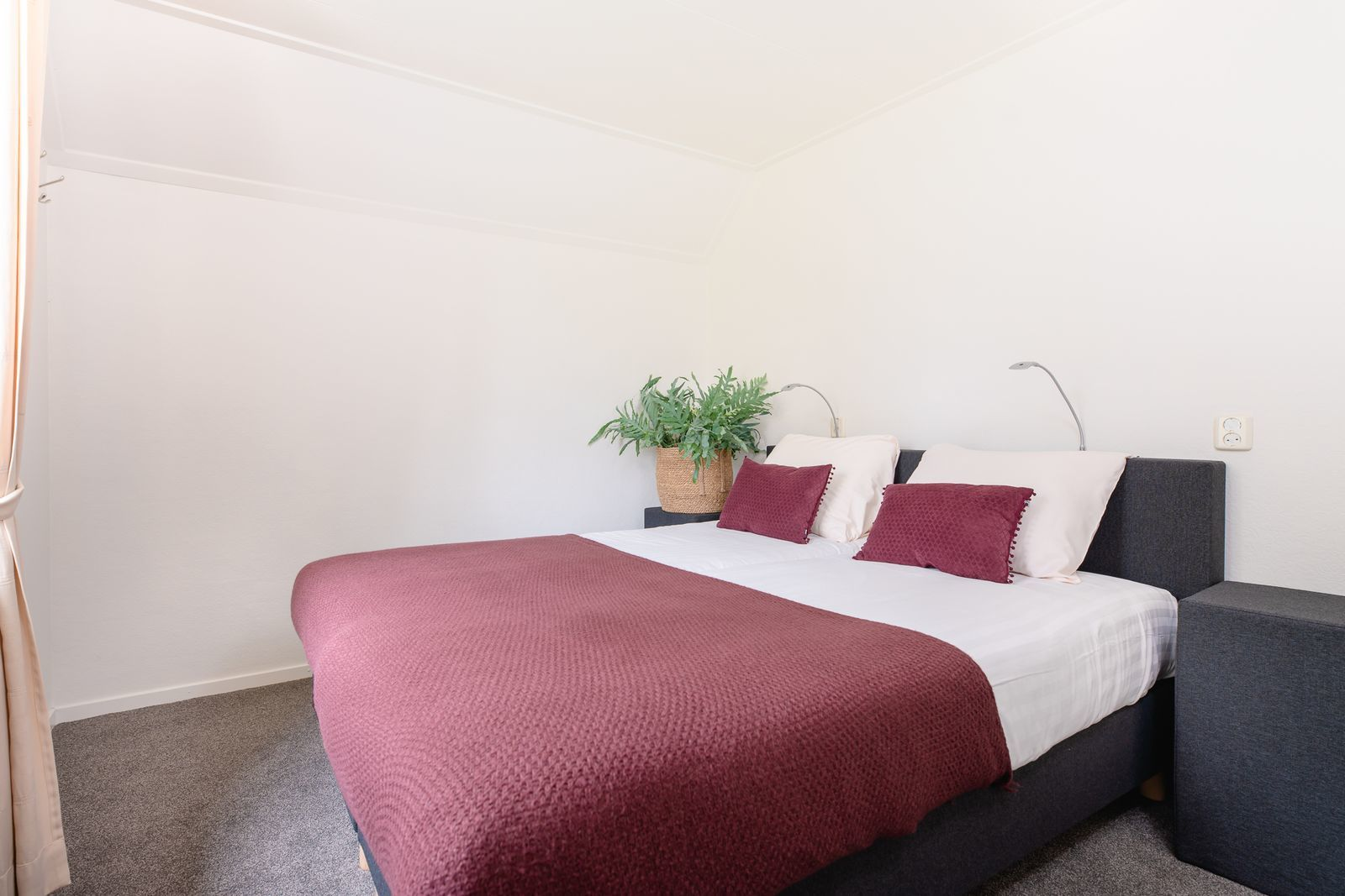 Luxury group accommodation for 14 people