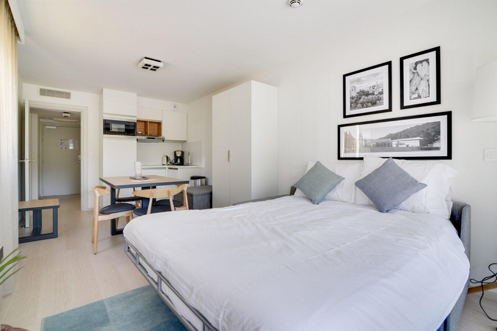 Appartement standard pour 4 personnes avec lit double et canapé-lit