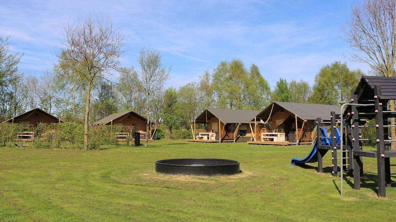 Country Resort De Papillon | Villatent XL met sanitair | 4 tot 6 pers.