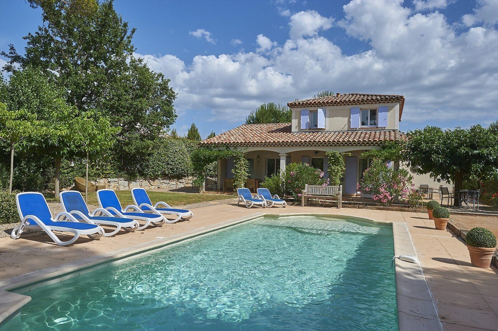 Vakantiepark la Vallée de la Sainte Baume met privézwembad