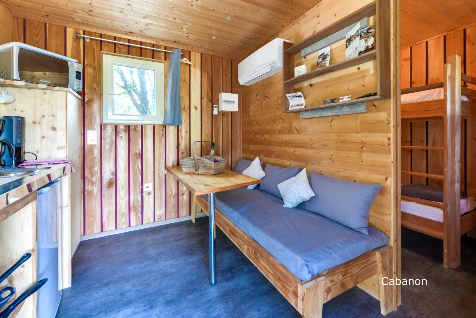 Lodges in de Provence - Cabanon: houten cabin met airco