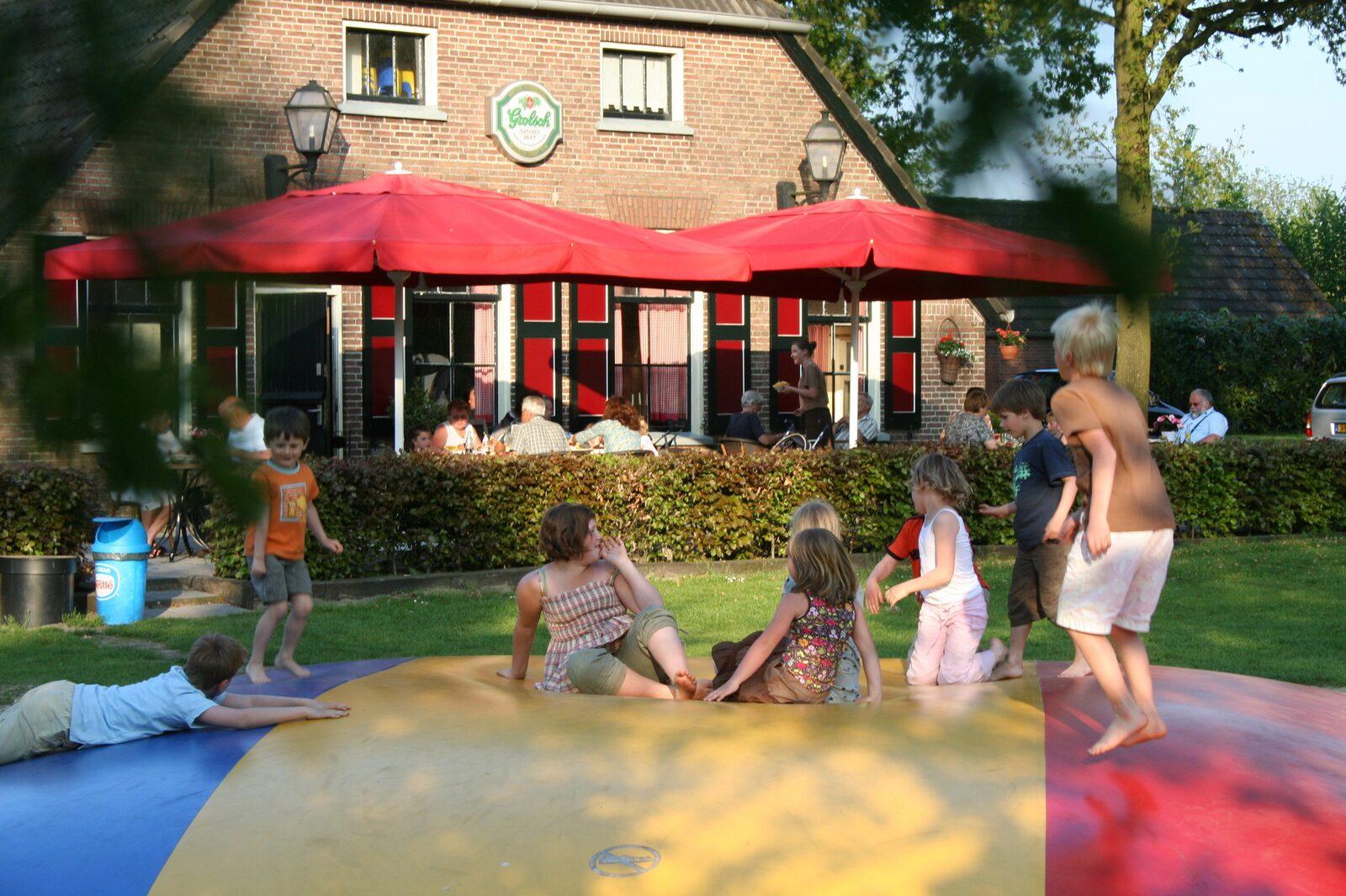 Six-person Bungalow Schipbeek Plus