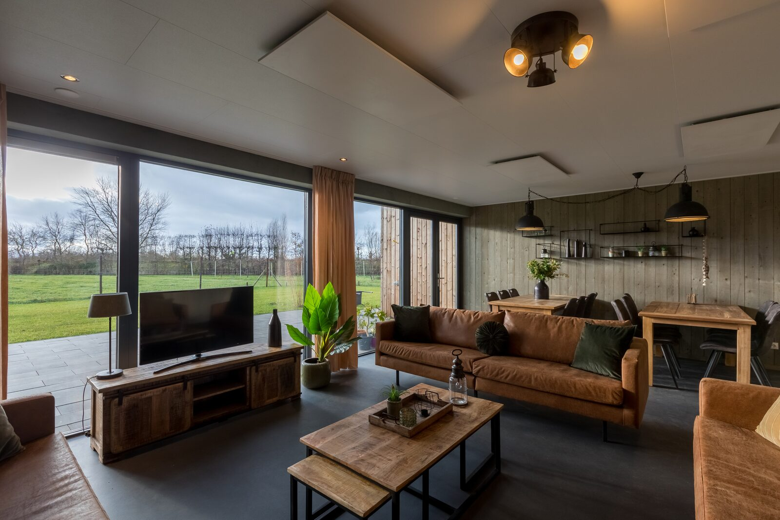 Familiehuis - Vroondijk 2 | Vrouwenpolder 'Zeebloesem'