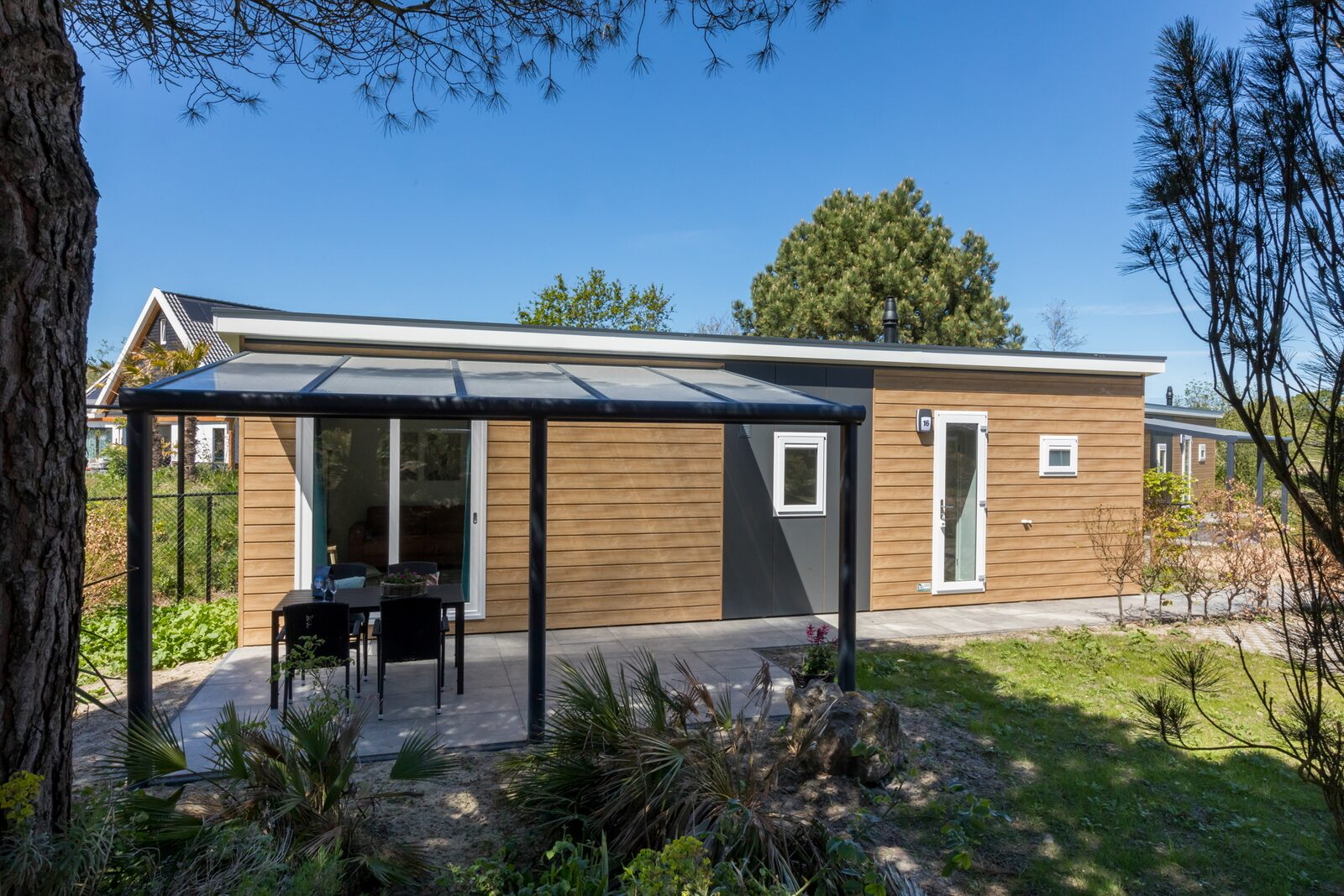 Chalet - Holidaypark Fort den Haak | Vrouwenpolder (Pet allowed)