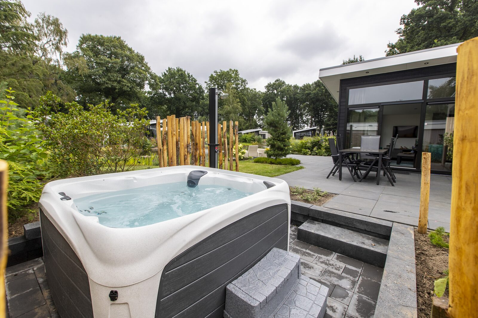 Bos Lodge 75 Eco 6 personen ( Jacuzzi )