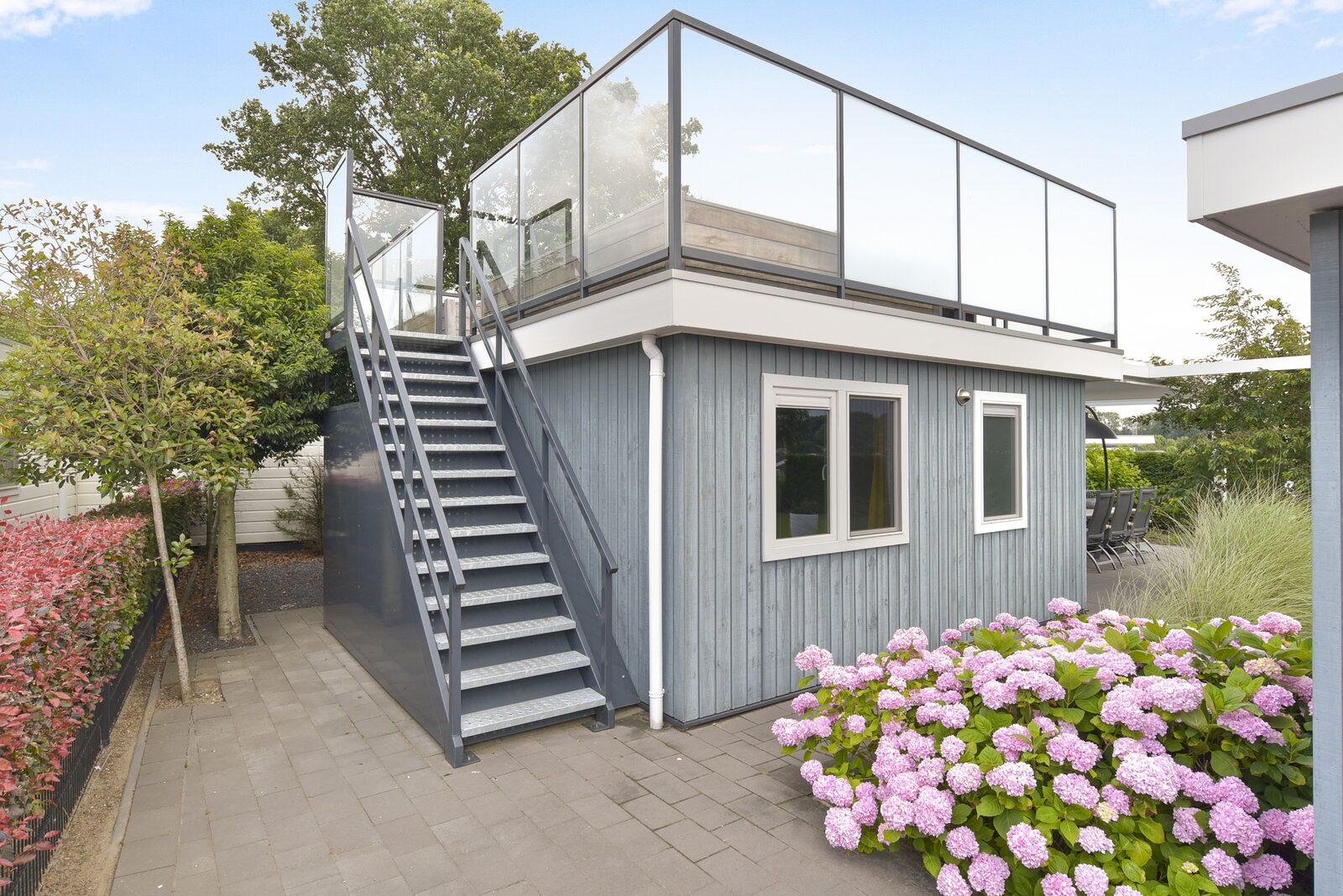 Dune Villa für sechs Personen mit Dachterrasse und drei Schlafzimmern
