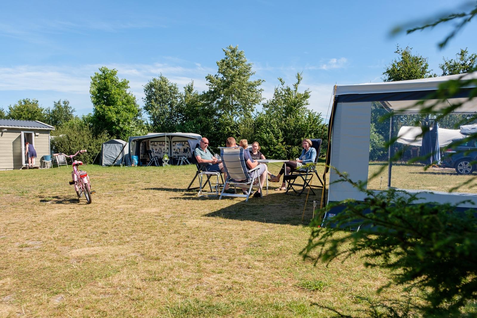 Comfort kampeerplaats met privé sanitair