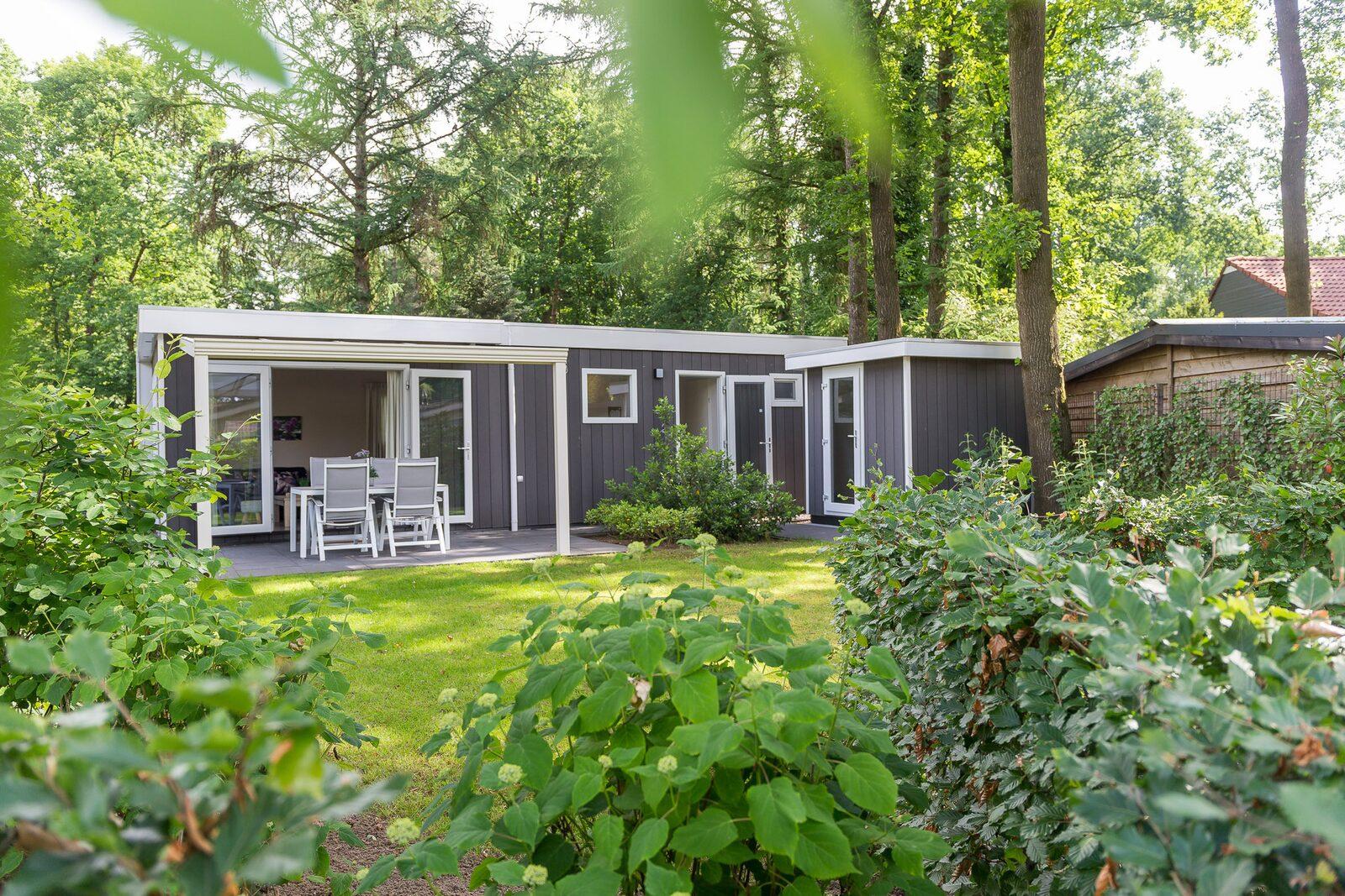 Park Lodge für 4 Personen (Jacuzzi)