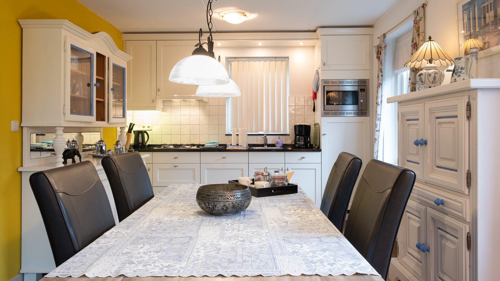 Holidayhouse - Zuidweg 18 | Zonnemaire 'huisje Paola'