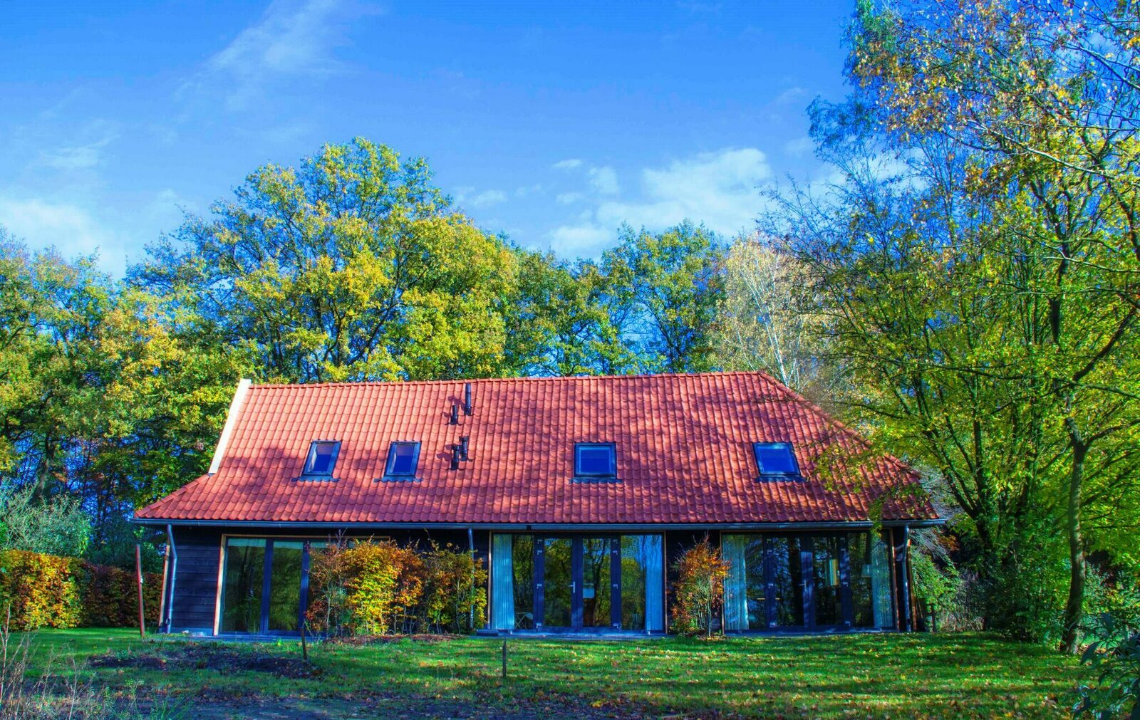 Vakantiehuis de Eikehof - 2 natuurhuisjes in het bos