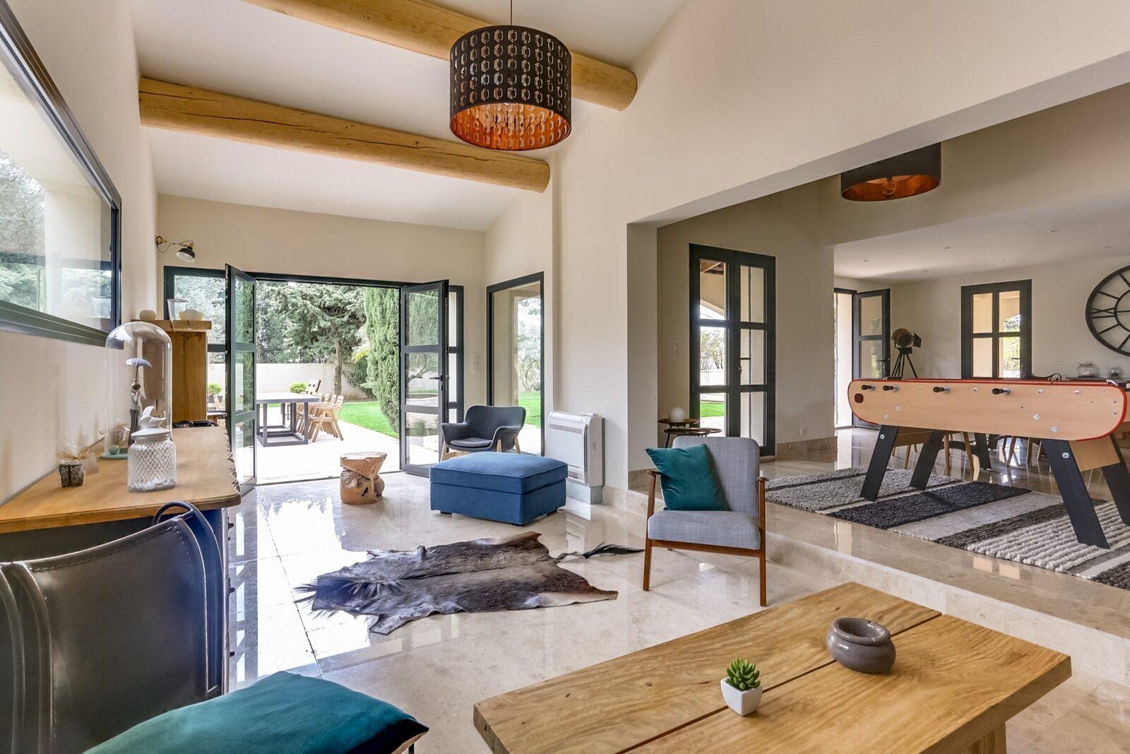 Villa Safar met zwembad en airco
