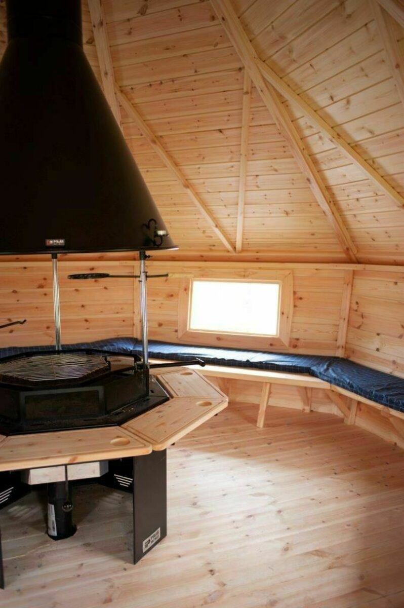 6 + 6 persoons Veluwe Villa met sauna en grillhuis