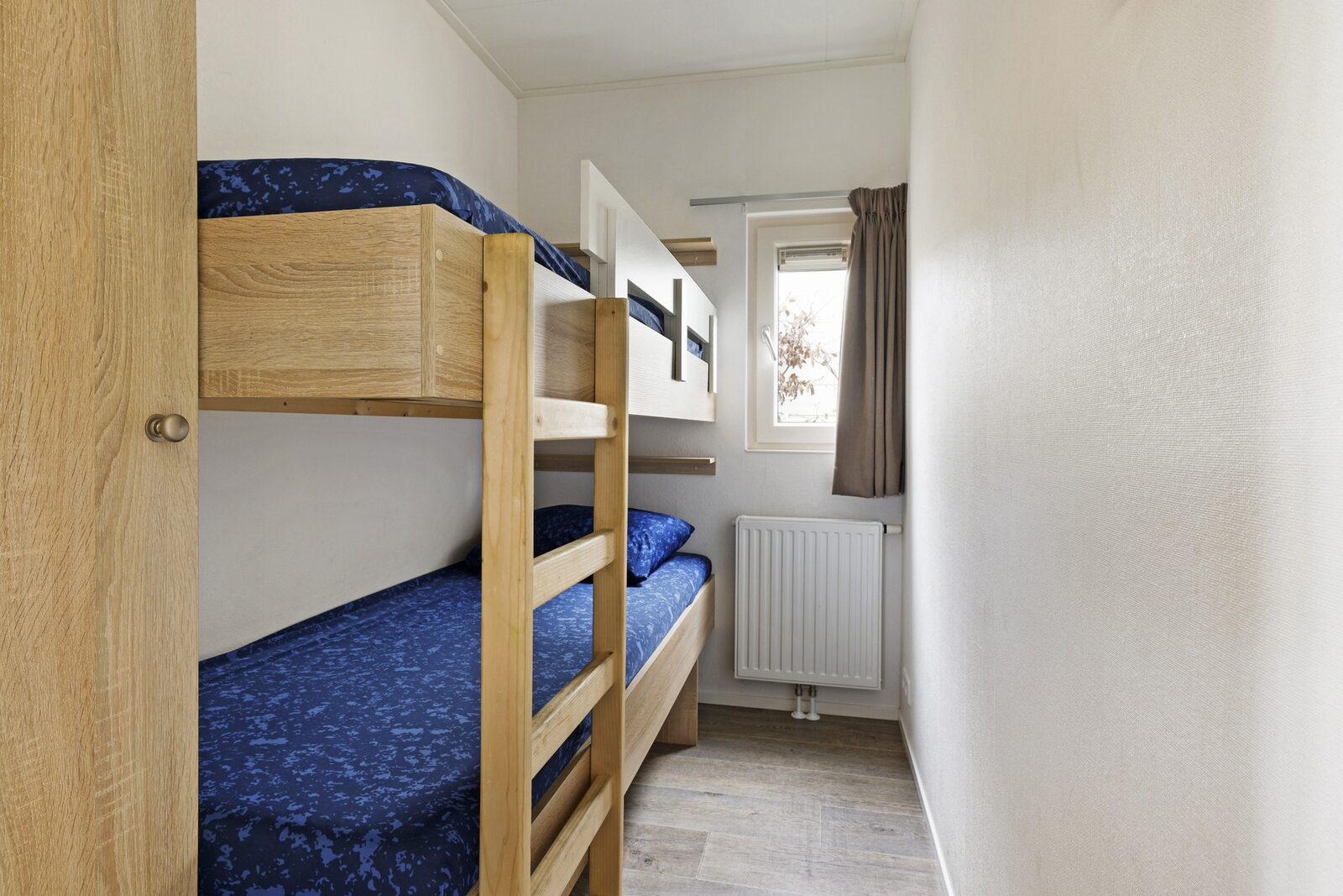 IJsvogel: 8-persoons accommodatie (zonder TV), 4 slaapkamers