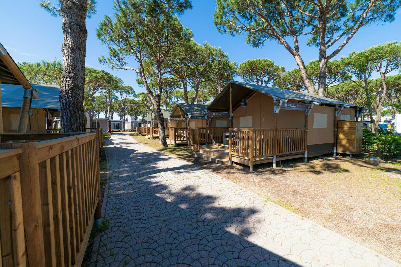 Camping Village Cavallino | Luxe con sanitarios XL 6 Pers.