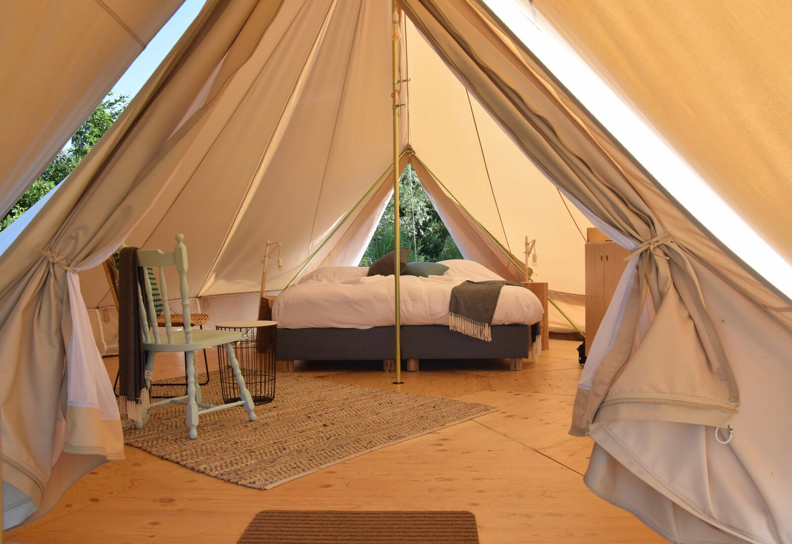 Zwier tent   Logeren 'all-in' arrangement