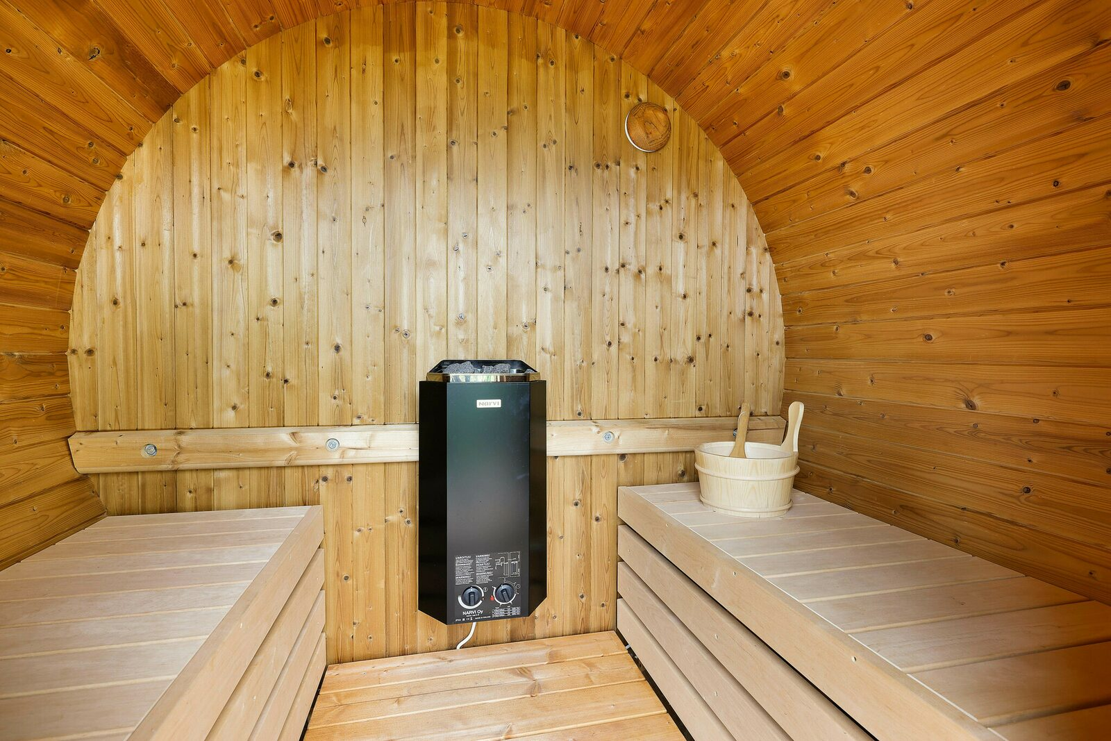 Accommodation for six persons with outdoor sauna & view of the Veluwemeer, three bedrooms
