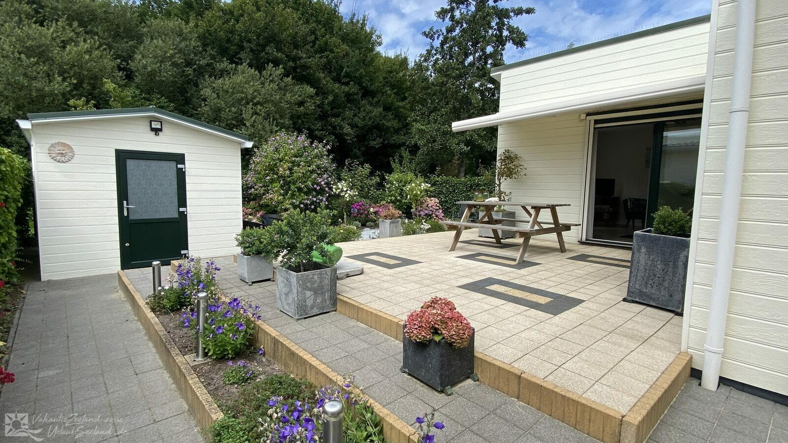 VZ1033 Holiday chalet in Sint-Annaland