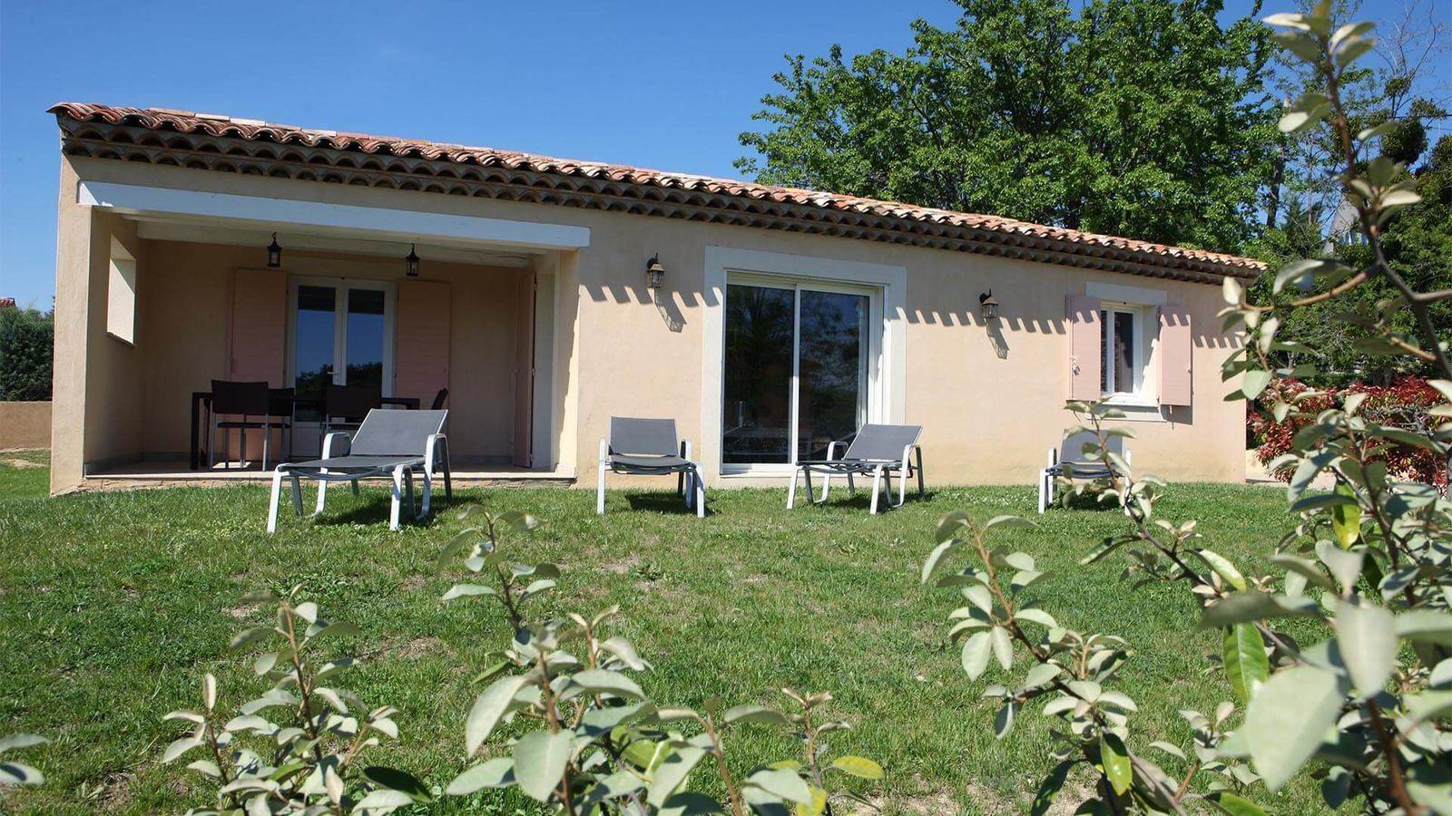 Park Beaudine - villa T4 met gemeenschappelijk zwembad in de Provence
