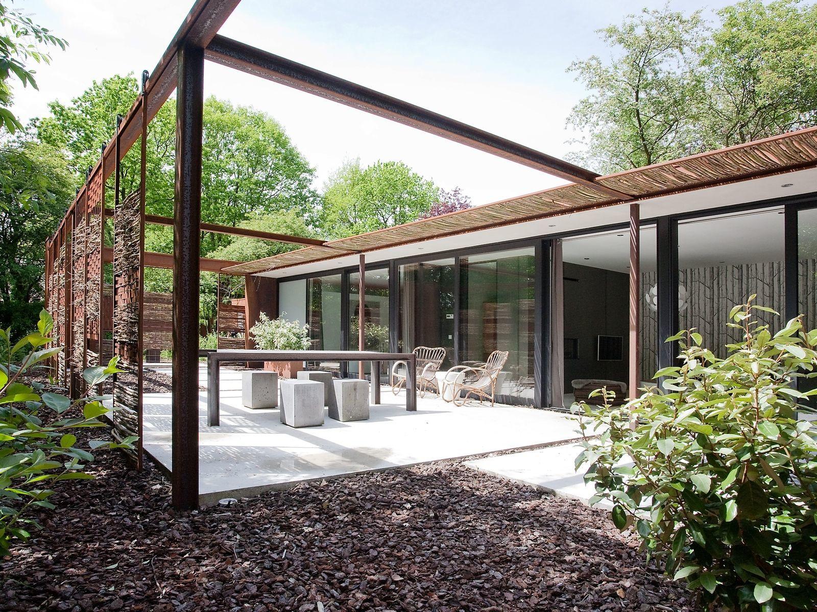 Stalen Boshuis - luxe vakantiehuis met sauna in Brabant