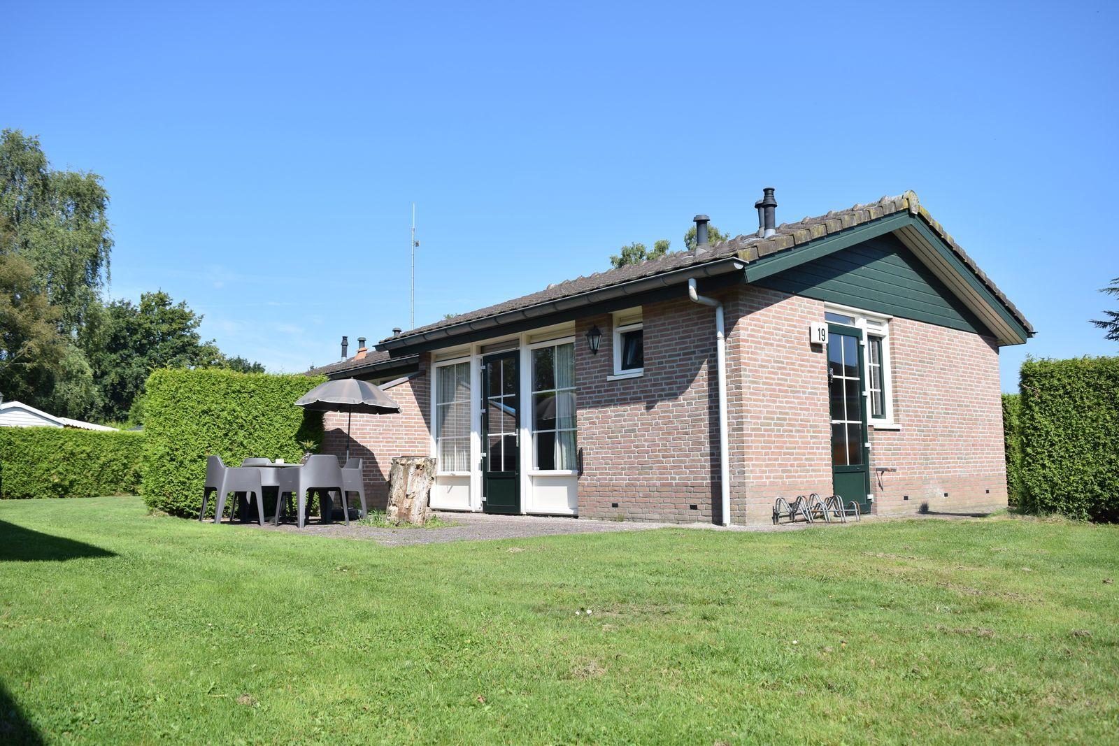 4-person bungalow Heuveltjes