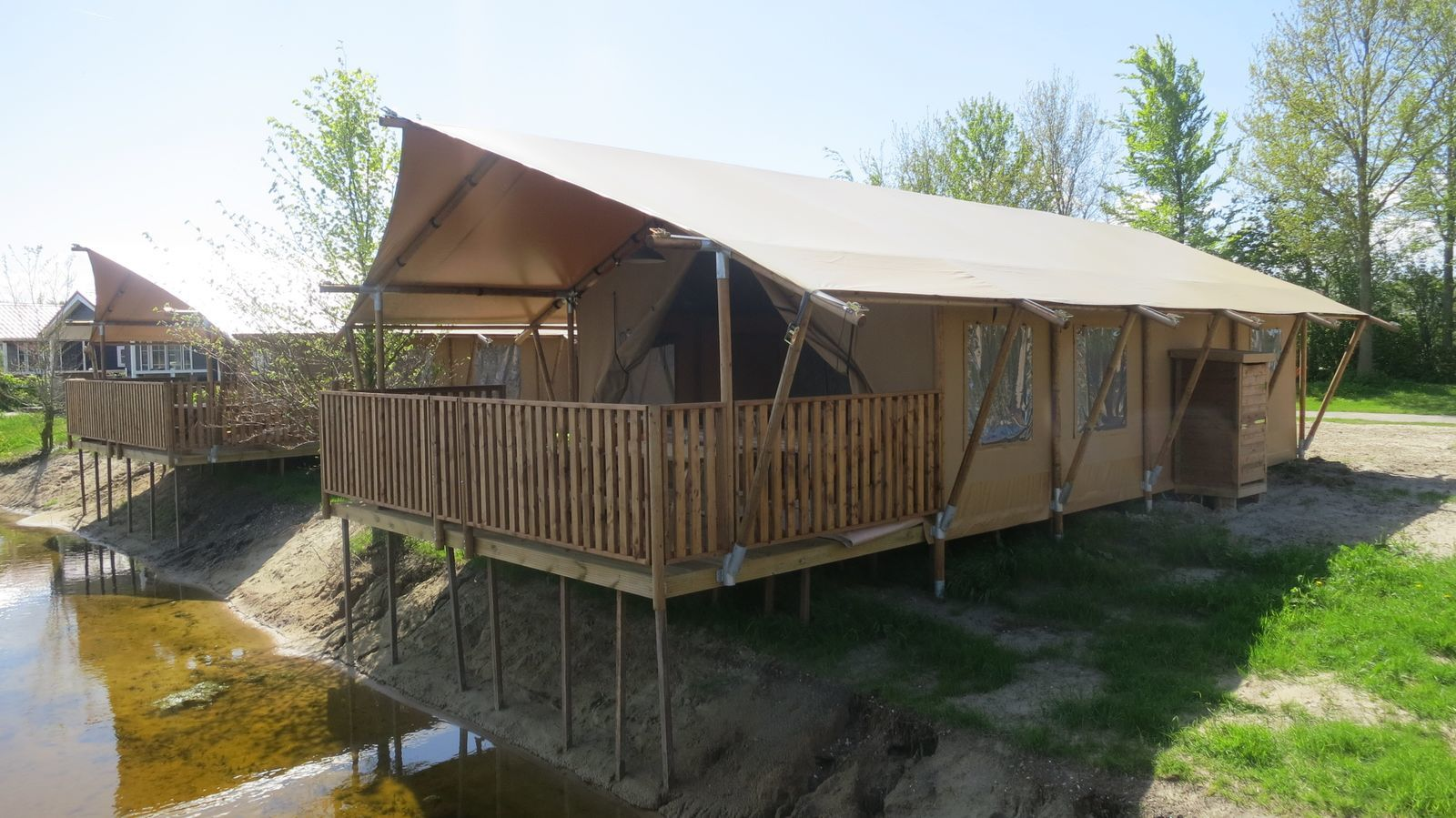Comfortabele 6-persoons glamping tent