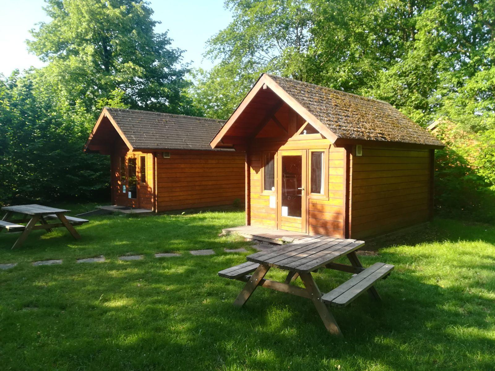 4-person hiker hut