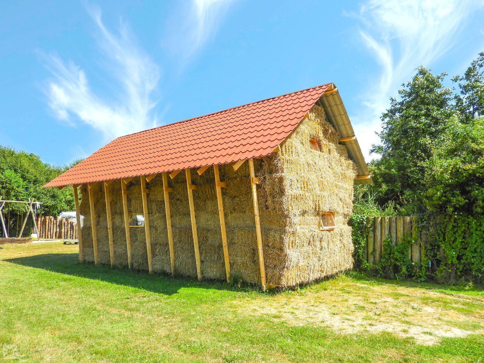 VZ723 Straw holiday home in Aagtekerke