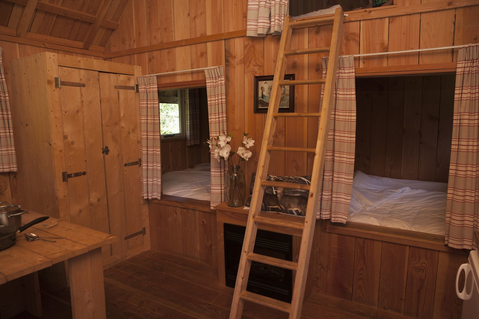 6-person Hiking Cabin.