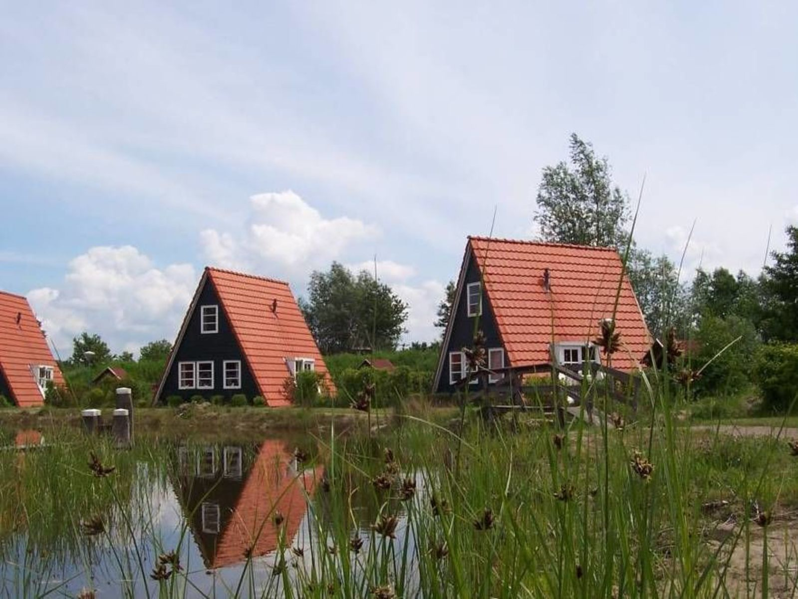 Groepsverblijf Grote Blokhut + 3 vissershuisjes (18 personen)
