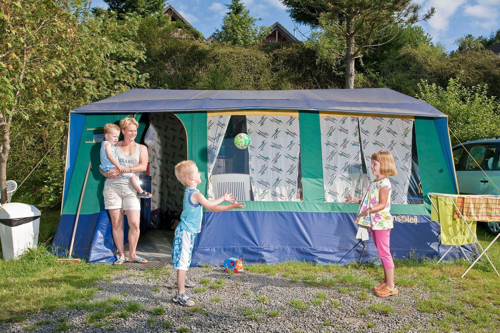 Tente pavillon pour six personnes